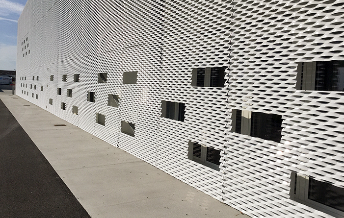 Expanded metal for industrial look HDE 17 - Staco Grating Technology
